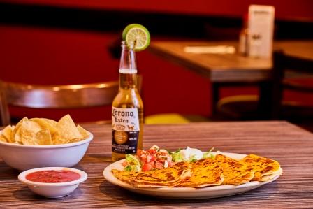 http://www.memorialcoliseum.com/images/Images/Where_to_Eat_Images/BANDIDOS/bandidos_fresh_food_3.jpg
