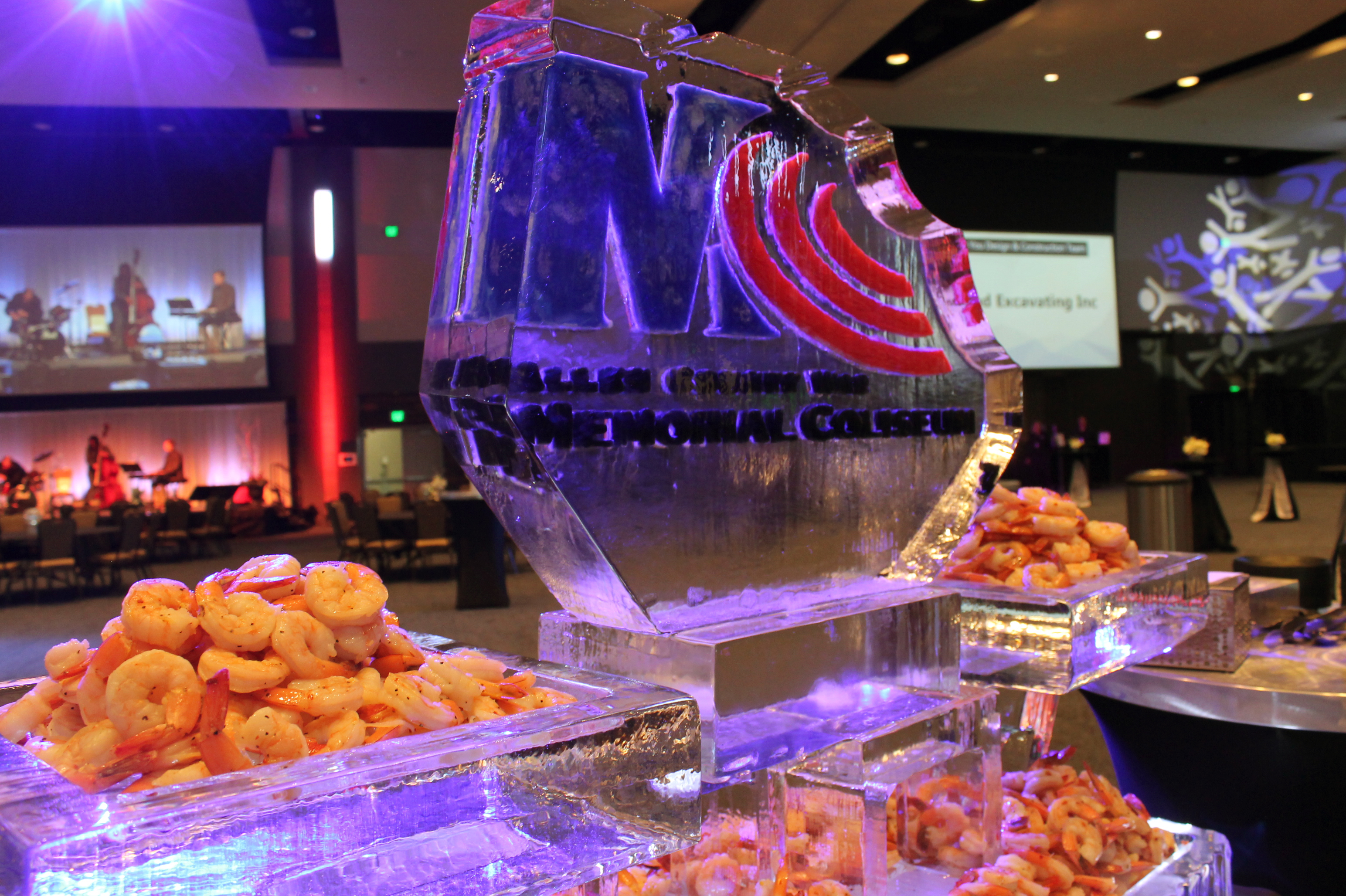 http://www.memorialcoliseum.com/images/Images/aramarkcatering_gallery/icesculpture.jpg