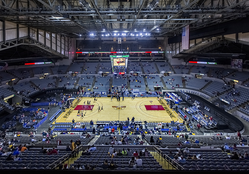 http://www.memorialcoliseum.com/images/Images/arena_gallery/Pacers_13.jpg