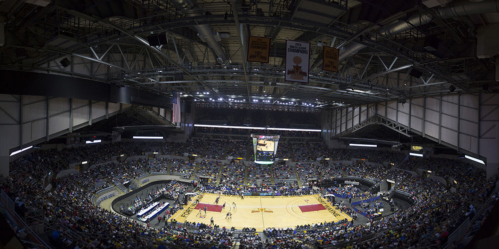 http://www.memorialcoliseum.com/images/Images/arena_gallery/Pacers_30.jpg